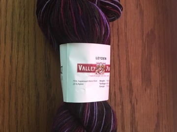 Selling: Valley Yarns